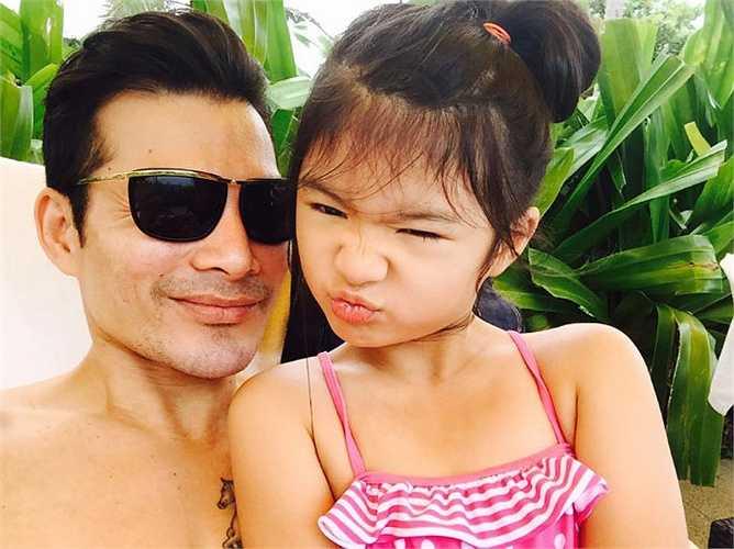 Bảo Tiên - con gái của Trần Bảo Sơn và Trương Ngọc Ánh càng lớn càng dễ thương.