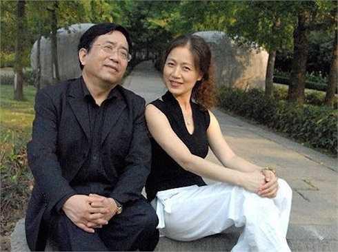 Mã Lan kết hôn với học giả nghiên cứu văn Hóa nổi tiếng Trung Quốc là Dư Thu Vũ. Hiện tại cô là giáo sư giảng dạy tại Đại học truyền thông Chiết Giang, chuyên gia danh dự Học viện sân khấu Thượng Hải và là MC cho một chương trình chuyên về âm nhạc sân khấu.