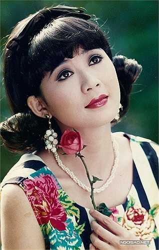 Sau năm 1997, Diễm Hương giải nghệ khiến khán giả tiếc nuối. Bộ phim cuối cùng chị tham gia là 'Những đứa con thành phố', được chiếu trên truyền hình. Lúc đó, Diễm Hương đang ở độ rực rỡ về nhan sắc và danh tiếng.