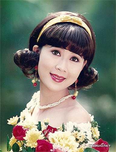 Diễm Hương đã lập gia đình và có 4 con. Chị sống ở cả nước ngoài lẫn Việt Nam. Diễm Hương được nhận xét là một người phụ nữ của gia đình, làm gì, đi đâu cũng chỉ nghỉ đến chồng con.
