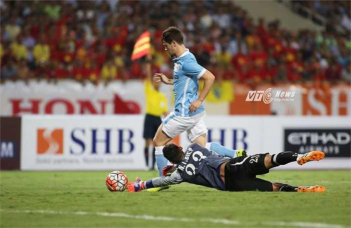 Đây cũng là dịp để các cầu thủ trẻ Man City ghi điểm trong mắt Pellegrini.(Ảnh: Phạm Thành)