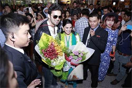 Hai diễn viên Ấn sẽ có 3 ngày ở tại Việt Nam. Vào 14h ngày 29.7, cả 2 sẽ có buổi gặp gỡ báo chí trong nước. Nguồn: Dân Việt