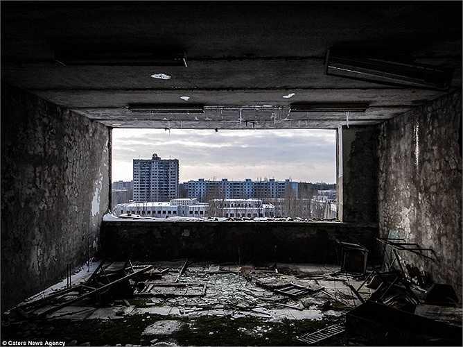Hàng ngàn công trình nhà cửa, khu vui chơi giải trí bị bỏ hoang