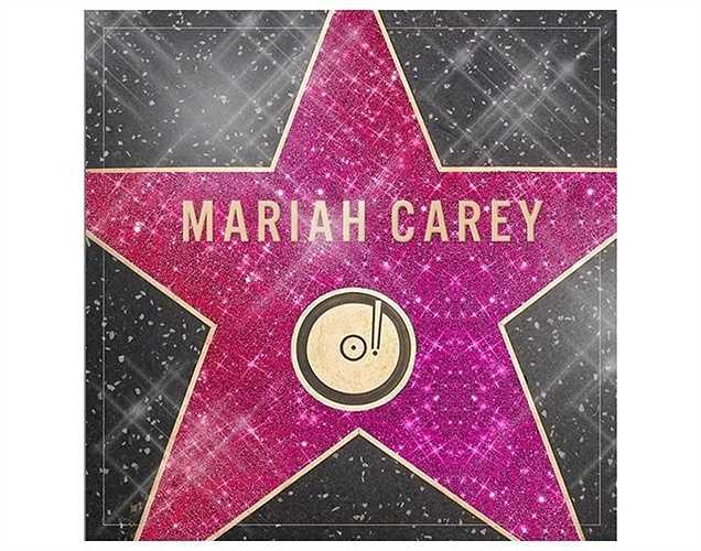 Marial Carey tự hào khoe ngôi sao của mình trên Đại lộ Danh vọng.