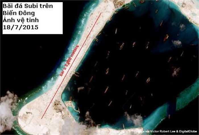 Ảnh vệ tinh chụp bãi đá Subi ngày 18/7 cho thấy một dải đất dài 3000m có thể xây dựng đường băng đã hiện rõ