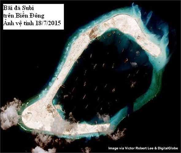 Số lượng tàu hậu cần lớn có mặt tại Subi ngày 18/7 đã tăng mạnh so với tháng 6