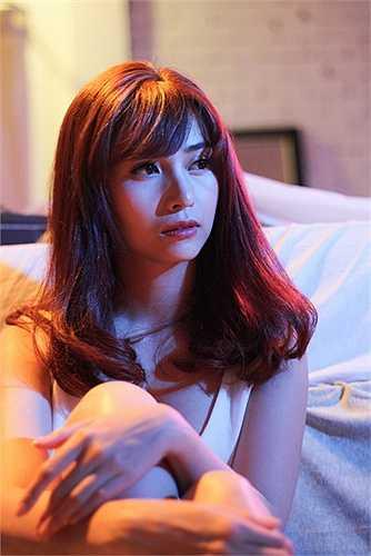 Trong phim này Việt My vào vai tiểu thư kiêu kì vì tài năng nên hay kinh thường người khác sau này khi gia đình phá sản và bị mọi người 'dạy dỗ' thì cô mới tập lại tính cách của mình, ngoan lại, biết chia sẻ, biết vì người khác hơn