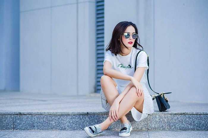 Ngoài đời, cô gái 22 tuổi là người hoạt bát, năng động, thân thiện và rất dễ thương