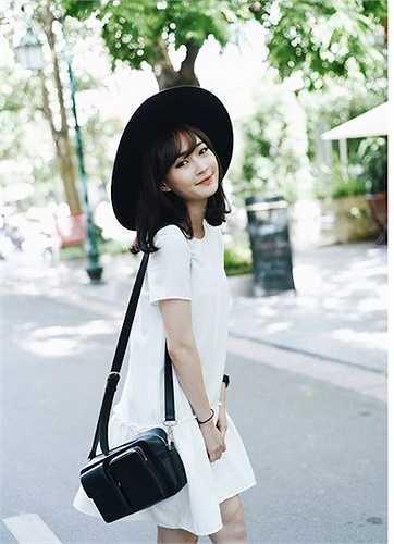Là bạn thân của hot girl Chi Pu nhưng Sun Ht sống khép kín hơn dù luôn được cộng đồng mạng săn lùng vì vẻ ngoài quá xinh đẹp