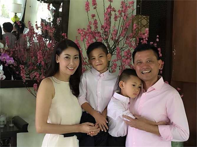 Nhưng hình ảnh viên mãn nhất của Hoa hậu Việt Nam 1992 có lẽ là lúc cô tận hưởng cuộc sống bên gia đình nhỏ của mình.