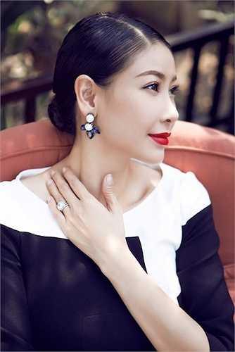 Sau khi tái hôn, Hoa hậu Việt Nam 1992 ngày càng đẹp mặn mà.