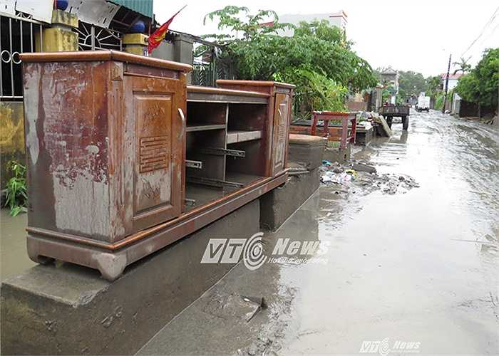 Người dân chưa bao giờ chứng kiến cảnh tượng mưa lũ ngập lụt khủng khiếp như những ngày vừa qua tại địa phương.