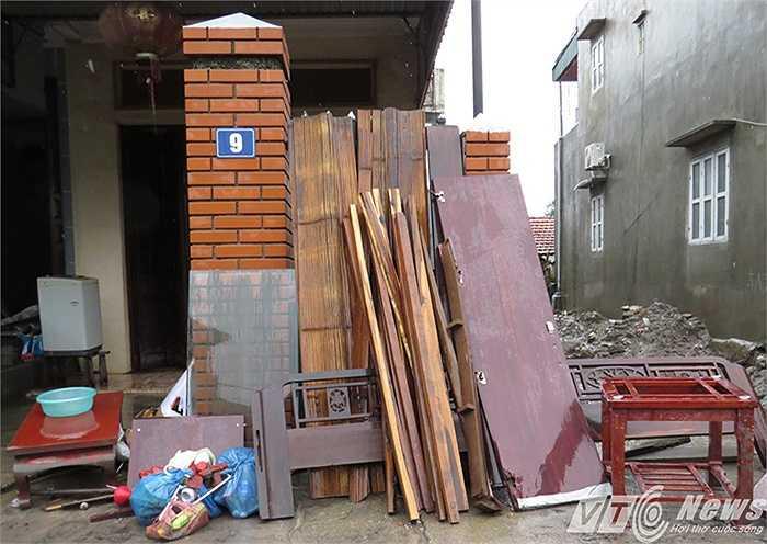 Nhiều đồ đạc bị như hỏng