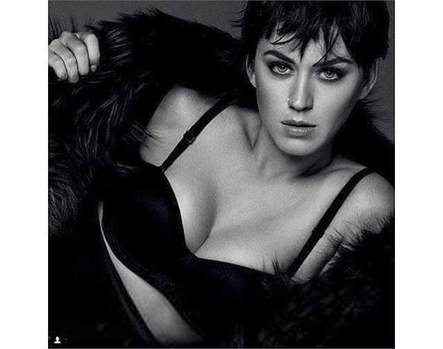 Katy Perry quyến rũ trên tạp chí Vogue của Nhật