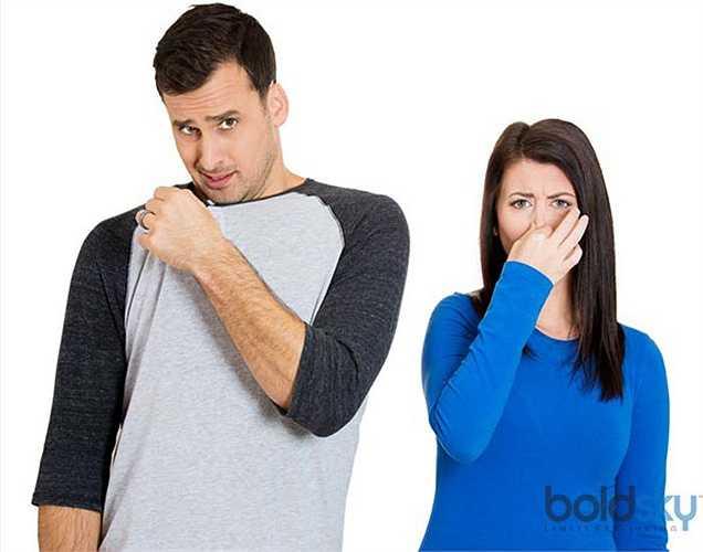 Giảm  đầy hơi: Thực phẩm khó tiêu là nguyên nhân chính gây ra đầy hơi. Mát xa bụng giúp tiêu hóa và không tạo ra khí. Nó cũng giúp loại bỏ khí tích tụ trong dạ dày của bạn.