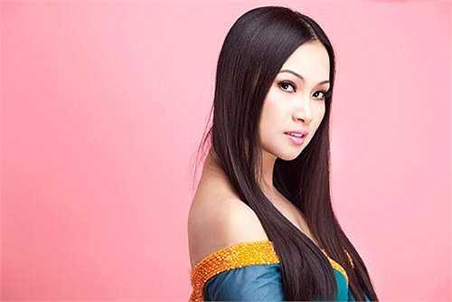 Ít người biết Hà Phương - em gái ca sỹ Cẩm Ly được mệnh danh là người Việt giàu nhất thế giới.