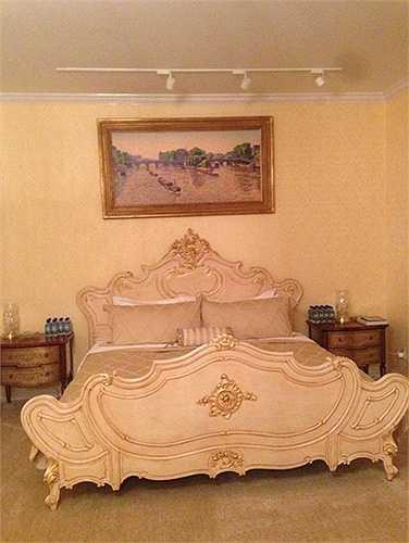 Đồ đạc, nội thất đều thuộc hàng xa hoa nhất thế giới.