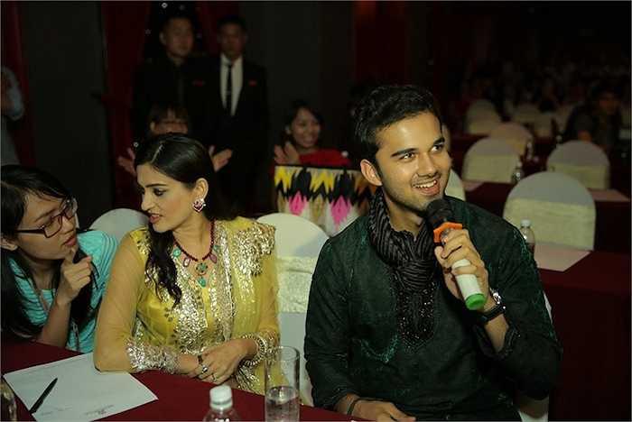 Avinash gây ấn tượng đặc biệt với các fans nữ nhờ vẻ điển trai.