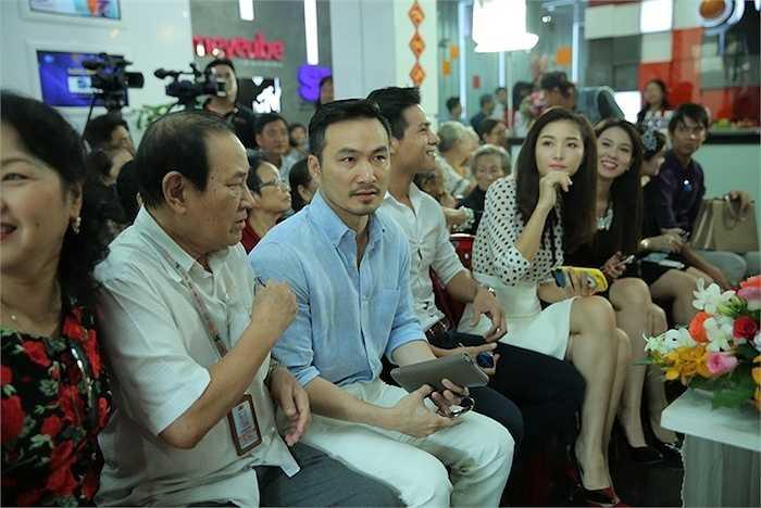 Nam diễn viên Chi Bảo cũng dành thời gian đến dự sự kiện.