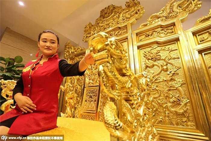 Sự xuất hiện của chiếc ngai vàng đã thu hút sự chú ý của nhiều người