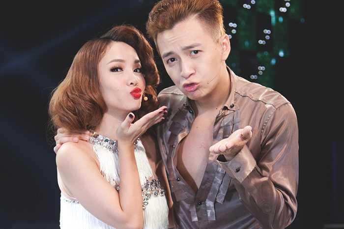Ngô Kiến Huy xuất hiện bên cạnh Yến Trang. Cặp đôi không chỉ ăn ý trên sân khấu mà còn là những người bạn thân thiết ngoài đời.
