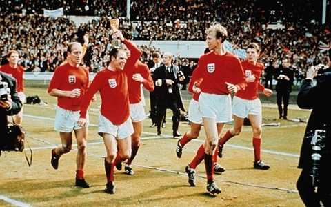 Ray Willson - Thành viên của ĐT Anh vô địch World Cup 1966 làm nghề dịch vụ tang lễ