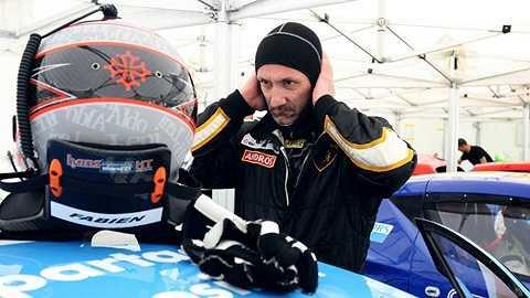 Fabien Barthez - Thủ môn nổi tiếng với chiếc đầu hói trở thành tay đua motor