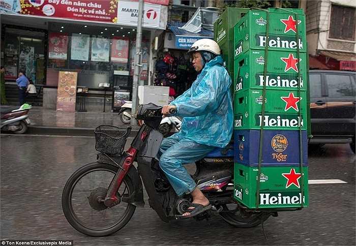 Hình ảnh dễ bắt gặp trên đường phố Việt Nam