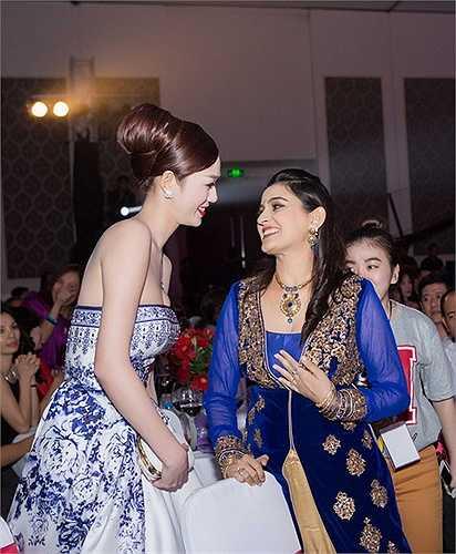 á lâu. Nam diễn viên Avinash không ngớt lời khen ngợi Khánh My xinh đẹp và dễ mến. Anh cho biết, anh rất thích nét đẹp của phụ nữ Việt Nam vì sự dịu dàng, nhẹ nhàng nhưng cuốn hút thanh lịch, đặc biệt là qua nụ cười và cách ứng xử khéo léo.