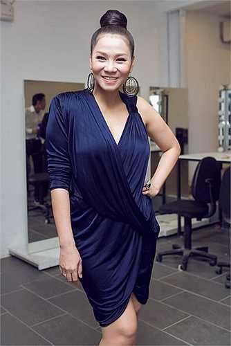 Thu Minh là một trong những bà mẹ hot bậc nhất showbiz Việt, nhận được sự quan tâm từ phía công chúng sau khi sinh quý tử nặng 4kg hôm 29/5
