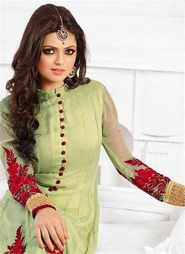 7. Drashti Dhami cũng là một trong những cái tên quen thuộc của điện ảnh Ấn Độ