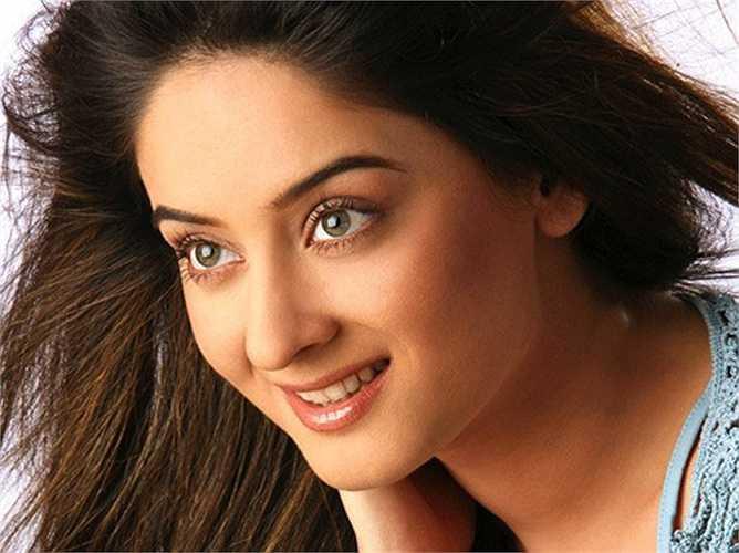 Không chỉ là một diễn viên tài năng, Mahie Vij hiện cũng là một siêu mẫu nổi tiếng