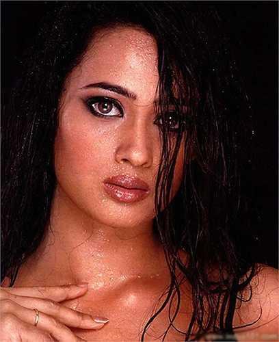 Shweta để lại dấu ấn trong lòng người hâm mộ bởi đôi mắt hút hồn và vẻ đẹp sexy quyến rũ