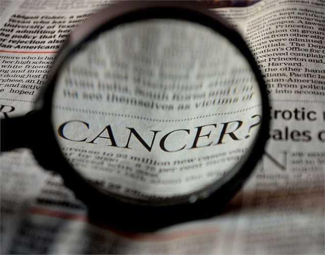 Chống ung thư: Axit ellagic có mặt trong dâu tây đóng một vai trò quan trọng trong việc ức chế sự tăng trưởng của tế bào ung thư. Chất chống oxy hóa thì giúp đẩy lùi tế bào ung thư. Vitamin C giúp tăng khả năng miễn dịch chống lại các tế bào ung thư.