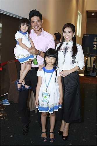 Cô bé An Nhiên 7 tuổi có nhiều nét giống mẹ, còn An Như 3 tuổi lại giống bố.