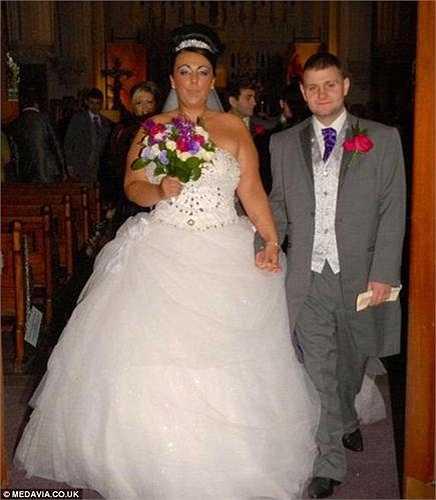 Khi kết hôn cùng Andrew (31 tuổi), Jinitta đã ép cân để giảm được vài kg nhưng sau đó, cô vẫn không từ bỏ thói quen ăn uống vô tội vạ. Cô ăn pizza, bánh mì kẹp, khoai tây chiên, thịt và cá 3 lần trong 1 tuần.