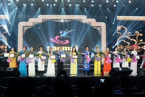 (VTC News) - Dàn thí sinh của dòng nhạc dân gian được lọt vào đêm chung kết sở hữu cả thanh lẫn sắc.