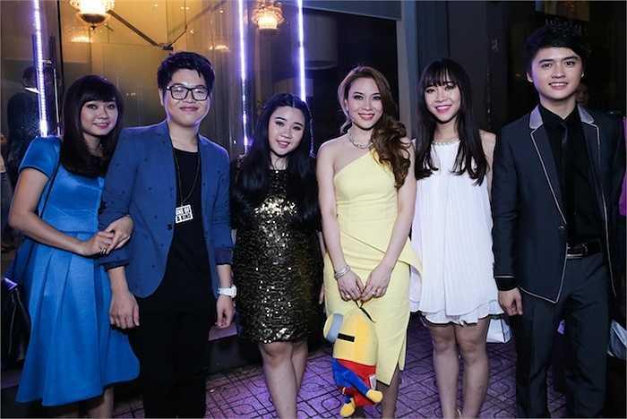 Tối 1/8, Mỹ Tâm và các thí sinh đội của cô trong chương trình Giọng hát Việt đã mang đến cho khán giả một đêm nhạc đầy cảm xúc.