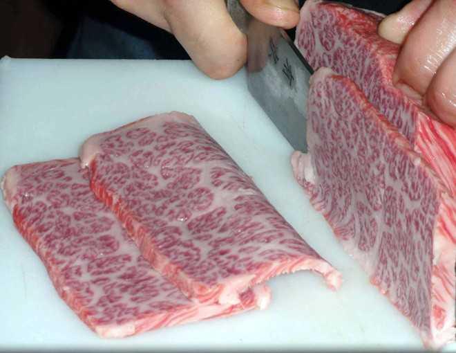 Mỗi kg thịt bò Hida có giá gần 3 triệu đồng