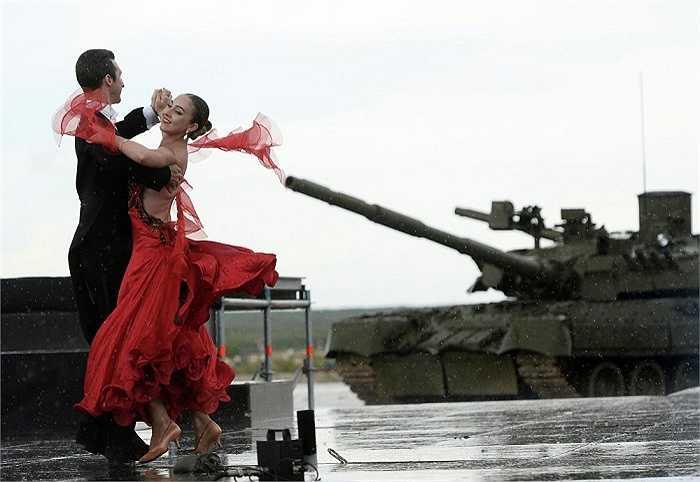 Hơn 2,000 quân nhân cùng 400 nhà quan sát nước ngoài sẽ tham dự sự kiện này