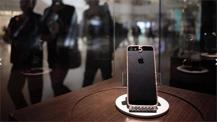 Chỉ có những tỷ phú quá giàu mới cũng có thể mua được chiếc điện thoại iPhone nạm kim cương có giá 25.000 USD.