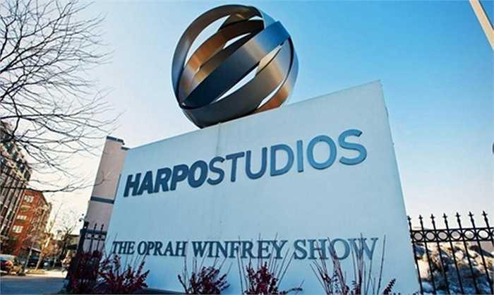 Người dẫn chương trình của Mỹ Oprah Winfrey càng ngày càng nổi tiếng và đã thành lập một kênh truyền hình riêng có thương hiệu trên toàn thế giới.
