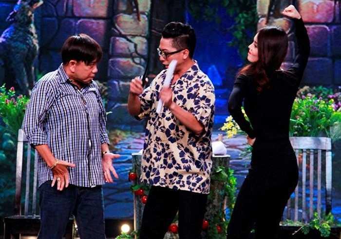 Chương trình Hội quán tiếu lâm tập 4 lên sóng 21h, tối 2/8 trên kênh truyền hình Vĩnh Long 1 với sự tham gia của ba nghệ sỹ Bạch Long, Hồng Tơ và ca sĩ Hải Yến Idol.