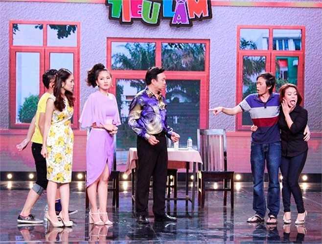 Hoài Linh nhận mình là người yêu của Hải Yến và lên án vợ chồng chủ quán độc ác và tuyên bố sẽ dành tiền đầu tư để đào tạo bạn gái thành ca sỹ thay vì đi làm vú em.