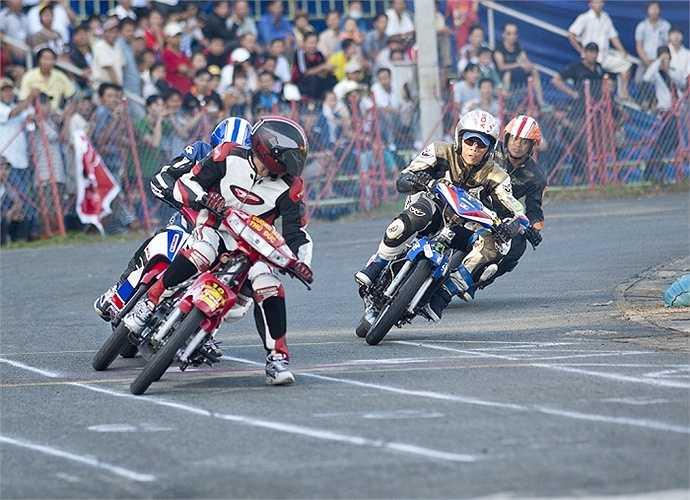 Sau 02 năm tạm ngưng, thương hiệu Vietnam Motor Cub Prix lại tái xuất với hình dáng là giải đua đường đất tranh cúp báo Thể thao TP.HCM mở rộng. Đây sẽ là giải đua mang kỷ lục có đường chạy dài nhất hiện nay tại Việt Nam.