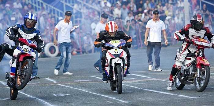 Giải đua xe thể thao Vietnam Motor Cub Prix tranh cúp báo Thể thao TP.HCM mở rộng sẽ có 02 hệ thi đấu là YS2S (dành cho xe 2 thì có dung tích 125cc) và hệ đua YE4S (dành cho dòng xe 4 thì Yamaha Eciter).