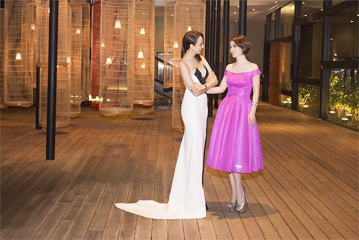 Tại sự kiện, cô đã có dịp hội ngô diễn viên Mai Thu Huyền.