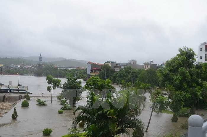 Nước dâng cao tại Uông Bí, Quảng Ninh (Ảnh: Nguyễn Hoàng)