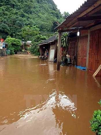 Nhiều nhà dân tại Bắc Kạn bị nước ngập vào nhà (Ảnh: Đức Hiếu)