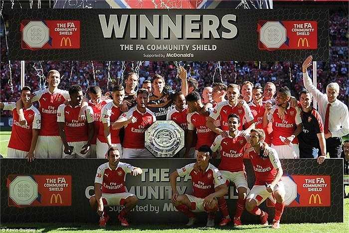 Community Shield là danh hiệu thứ 3 mà Cech có được cùng Arsenal, chỉ sau đúng 3 lần ra sân chính thức